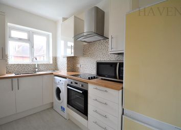 Thumbnail 2 bed flat to rent in Granville Place, High Road, North Finchley, London