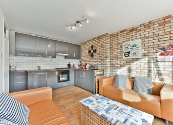 4 bed flat to rent in Challice Way, London SW2