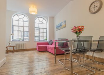 Thumbnail 1 bed flat to rent in 6 Pear Tree Court, London