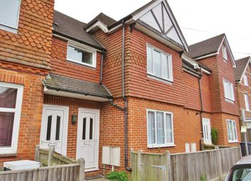 Cantelupe Road, East Grinstead, West Sussex RH19. 1 bed maisonette