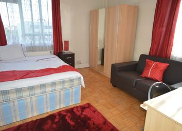 Thumbnail Room to rent in Hallfield Estate, Bayswater