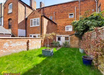 West Bar Street, Banbury OX16. 2 bed terraced house for sale