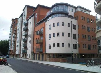 Thumbnail 1 bed flat to rent in Lower Canal Walk, City Centre, Southampton