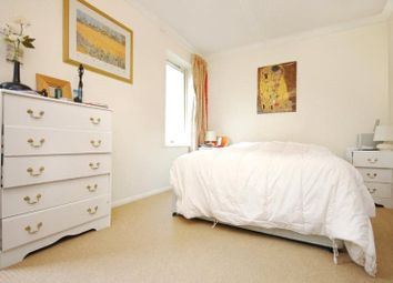 Thumbnail 1 bed flat to rent in Bowmans Mews, London