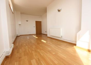 Thumbnail 2 bed flat to rent in Kingsland Road, Hackney