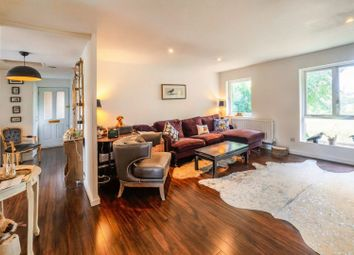 Anstice Close, Chiswick W4. 2 bed flat