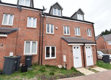 3 bed town house for sale in Guardian Way, Luton LU1