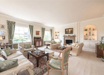 Thumbnail 5 bed flat for sale in Connaught Square, Hyde Park, London
