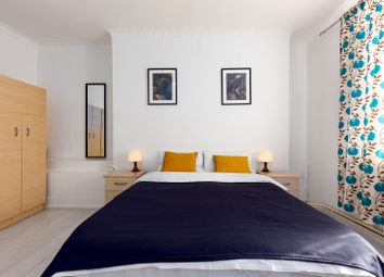 Room to rent in Ad 26 James Middleton House, Bethnal Green E2