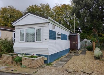 Thumbnail Barn conversion to rent in East Drive, Blunsdon, Swindon