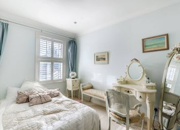 Thumbnail 4 bed property to rent in Hardwicke Road, Chiswick