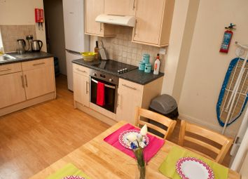 Thumbnail 7 bed terraced house to rent in Hartley Avenue, Leeds