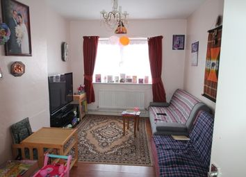 Thumbnail 3 bedroom flat to rent in Victoria Way, London
