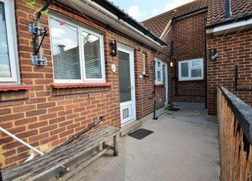 Thumbnail 2 bedroom flat to rent in Haynes Road, Northfleet, Gravesend