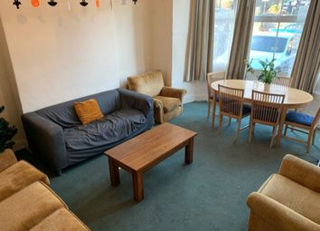 2 bed flat to rent in Clarkehouse Road, Sheffield S10