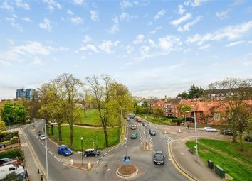 Thumbnail 2 bed flat to rent in Walpole Gardens, Chiswick, London