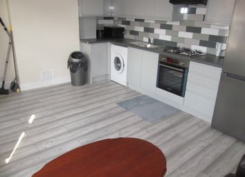 St Peters Road, Reading RG6. 3 bed flat