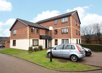 Thumbnail 1 bed flat for sale in Pyegrove Chase, Bracknell, Berkshire