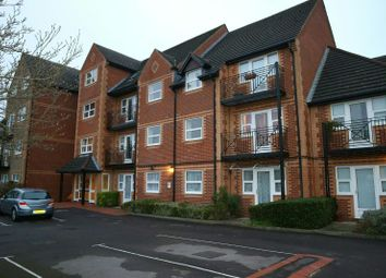 Thumbnail 2 bedroom flat for sale in Northcourt Avenue, Reading