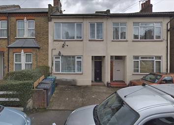 Thumbnail 1 bed flat to rent in Gruniesen Road, Finchley, London