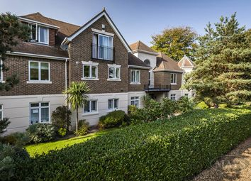 Kings Avenue, Parkstone, Poole BH14. 2 bed flat