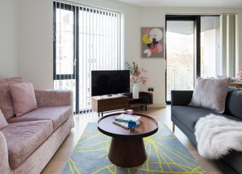 Thumbnail Serviced flat to rent in Sutherland Street, London