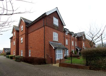 Thumbnail 2 bed flat to rent in Winchester Road, Bishops Waltham, Southampton