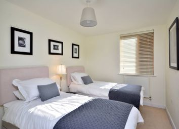 Thumbnail 2 bed flat to rent in Steele Road, Chiswick