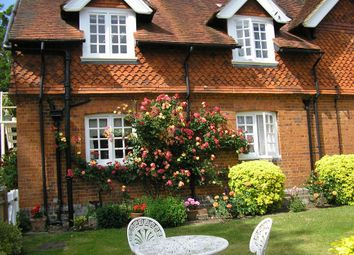 1 bed flat to rent in Chiltern Manor, Wargrave, Reading RG10