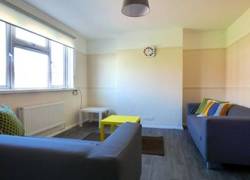 Thumbnail 2 bed flat to rent in St. Pauls Road, Southsea
