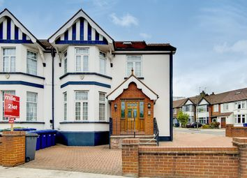 Thumbnail 1 bed flat to rent in Hale Lane, Mill Hill, London