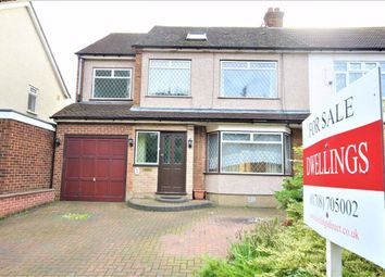 4 bed property for sale in Kersey Gardens, Harold Wood RM3