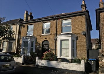 Thumbnail 2 bedroom flat to rent in Thornhill Road, Croydon