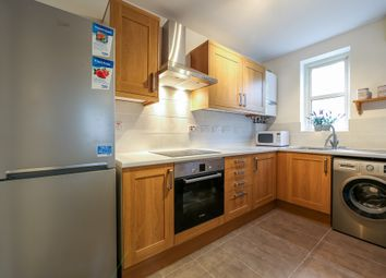 Thumbnail 2 bed flat to rent in Bredgar Road, Archway, London