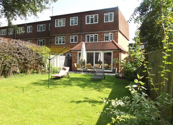 Thumbnail 4 bedroom town house to rent in Fieldhead Gardens, Bourne End