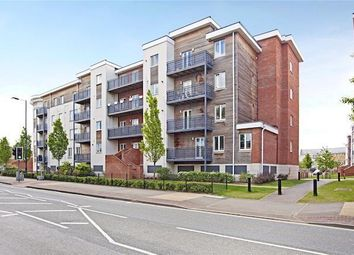 Thumbnail 2 bed flat to rent in Kingsquarter, Maidenhead