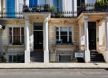 Leinster Square, Notting Hill, London W2. 2 bed flat for sale