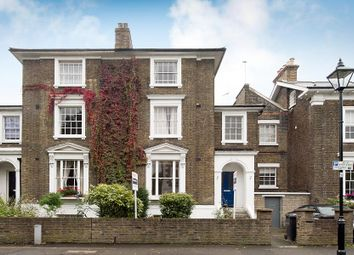 Thumbnail 1 bed flat to rent in Groveway, London