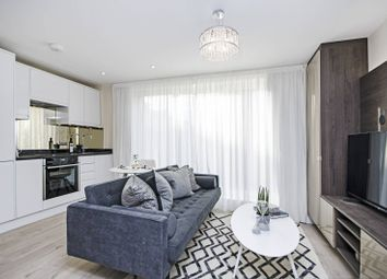 Thumbnail 2 bed flat for sale in Lankaster Gardens, East Finchley