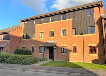 Thumbnail Flat for sale in Roebuck Court, Didcot