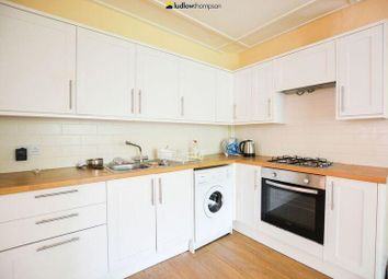 Thumbnail 1 bed flat to rent in Maze Hill, London