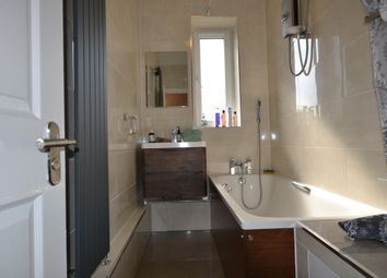 Thumbnail 5 bed triplex to rent in Thornaby House, Conrobert St, Bethnal Green
