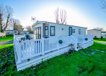 2 bed mobile/park home for sale in London Road, Clacton-On-Sea CO16