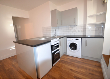 Thumbnail 2 bed flat to rent in Grange Street, St Albans