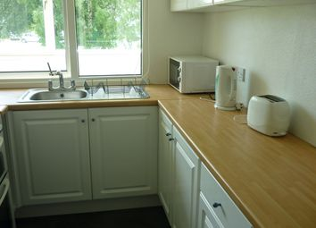 Thumbnail 3 bed flat to rent in Wellington Place, Bristol