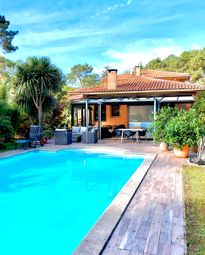 Thumbnail Villa for sale in Quiet & Residential, Near Hossegor Beaches & Shops, Seignosse, Soustons, Dax, Landes, Aquitaine, France