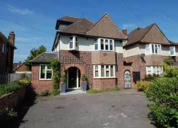 Oxford Road, Kidlington OX5. 4 bed detached house