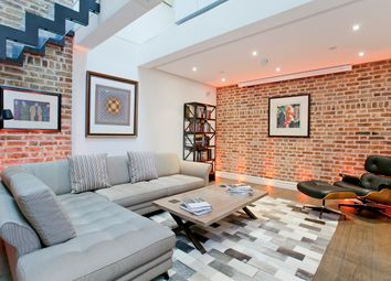 Thumbnail 2 bed property for sale in Pembridge Mews, London