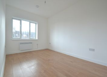 Thumbnail Studio to rent in Station Approach, Hayes, Bromley