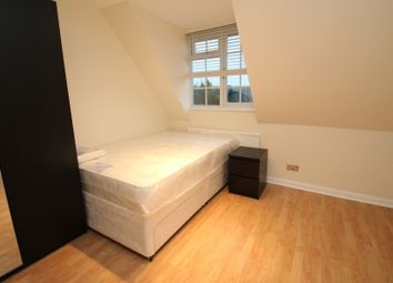 Thumbnail Room to rent in Lyndhurst Rise, Chigwell, Essex